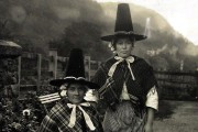 copy1-554-78-welsh-national-costume-1911