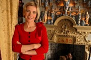 Photograph of author Lucy Worsley