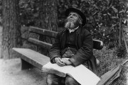 A photograph of a blind man taken in Bournemouth in 1895. Catalogue reference: COPY1-420